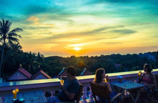 Ngắm nhìn hoàng hôn lãng mạng tại khách sạn Hồng Bin Bungalow