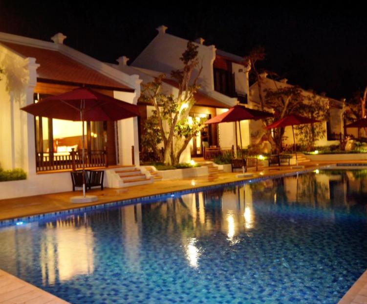 Hình ảnh khu bể bơi ngoài trời tại khách sạn Hội An Phú Quốc