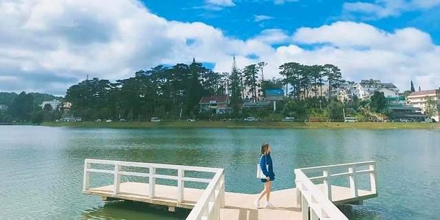 Cầu chữ Y, Hồ Xuân Hương