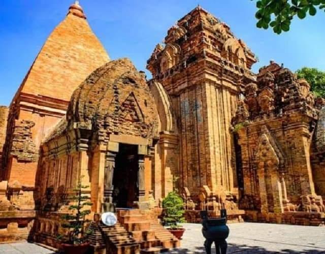 Tháp bà Ponagar - Quần thế kiến trúc văn hóa Chăm Pa