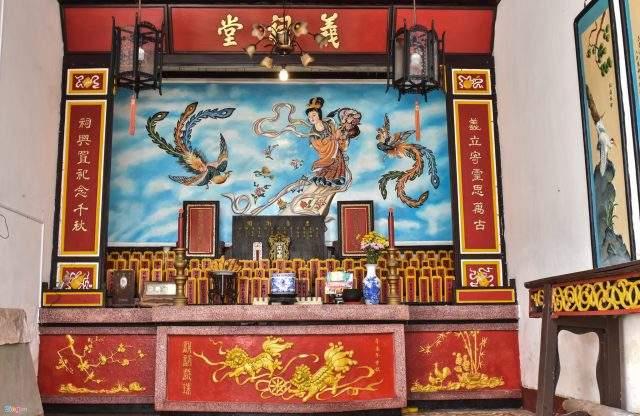Hội quán được xây dựng vào cuối thế kỷ 18, do những Hoa Kiều đến từ Quảng Đông - Quảng Châu cho thiết kế thi công (Ảnh ST)