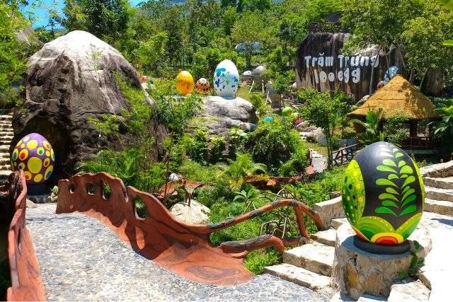 Khuôn viên tươi đẹp của khu du lịch (Ảnh ST)