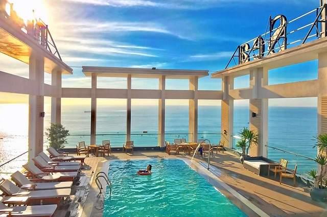 Để đặt khách sạn đẹp ở Đà Nẵng với giá rẻ thì bạn nên đặt sớm hoặc sử dụng combo du lịch