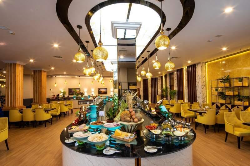 Không gian nhà hàng sang trọng và tinh tế