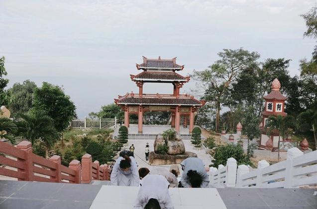 Linh Son Buu Thien Tu 1