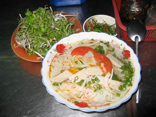 You can enjoy fish vermicelli anywhere in Nha Trang