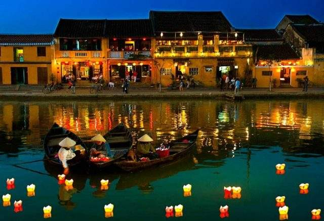 Hoi An's scenery at night (Photo ST)